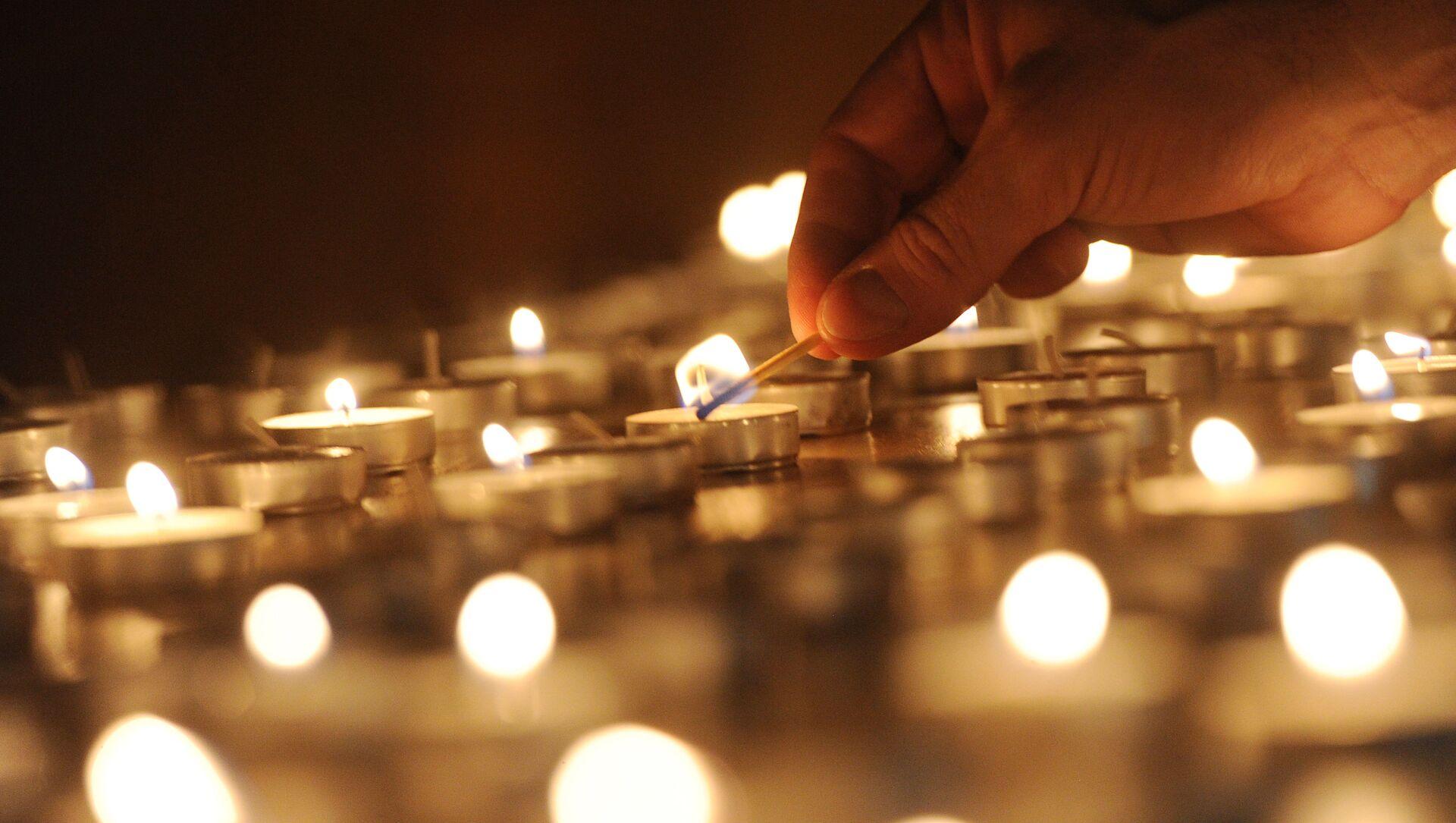 Церемония зажжения свечей в память жертв Холокоста - Sputnik Грузия, 1920, 25.03.2021