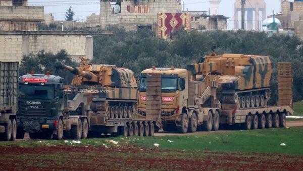 Турецкие военные машины в городе Бинниш в северо-западной провинции Сирии Идлиб - Sputnik Грузия