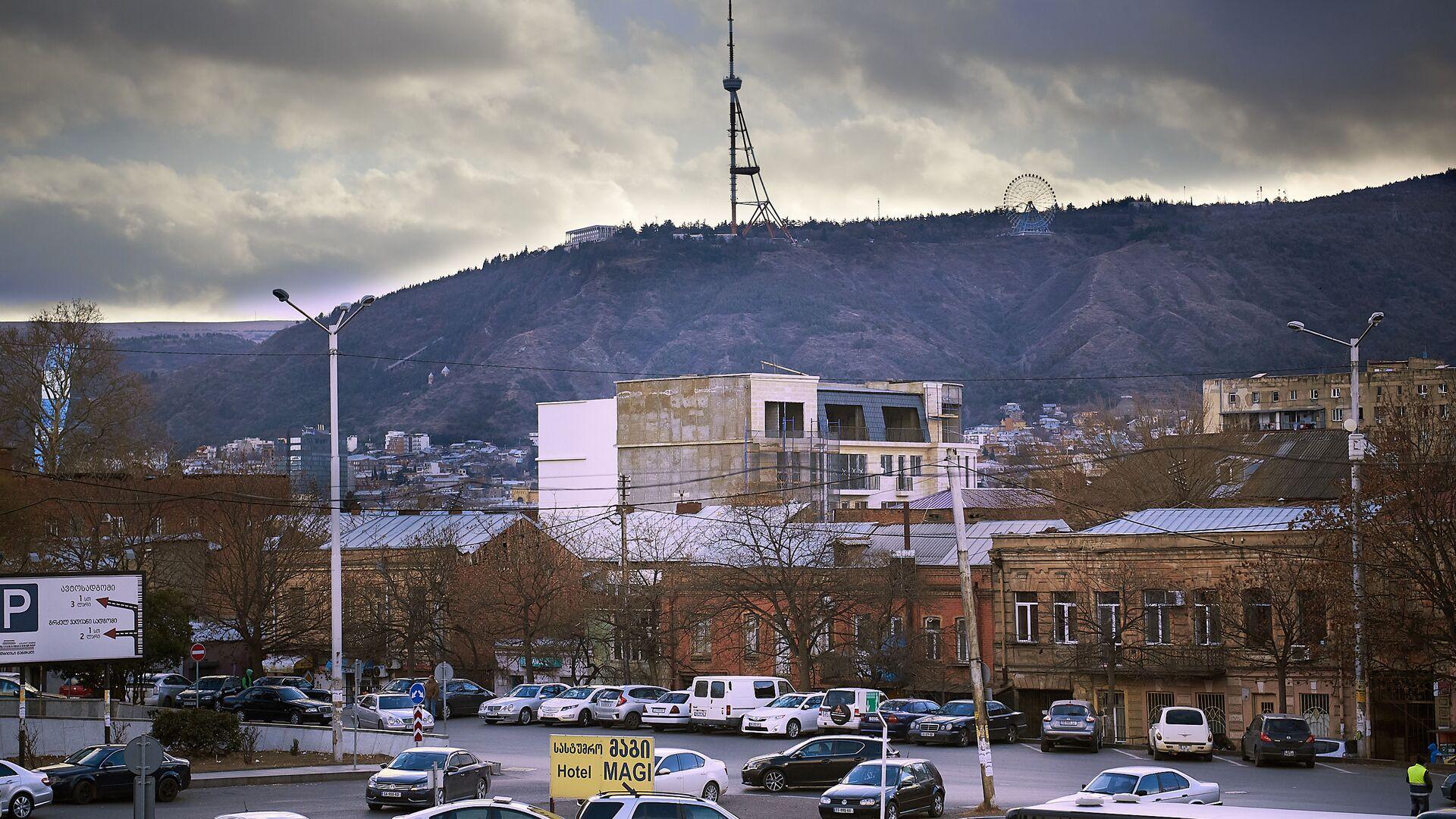 Пасмурное небо над столицей Грузии - Sputnik Грузия, 1920, 26.03.2021
