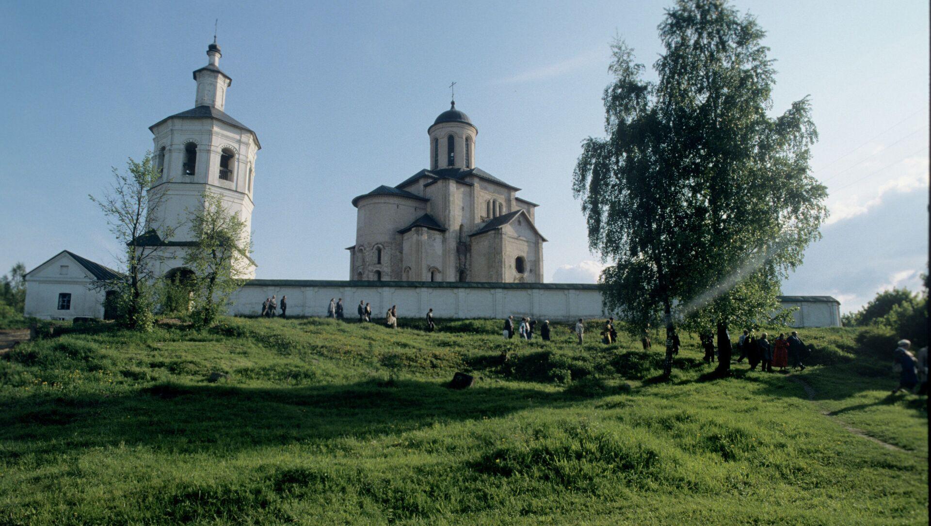 Вид на церковь Архангела Михаила в Смоленске - Sputnik Грузия, 1920, 20.03.2021