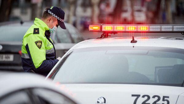 Патрульная полиция в защитных масках - Sputnik Грузия