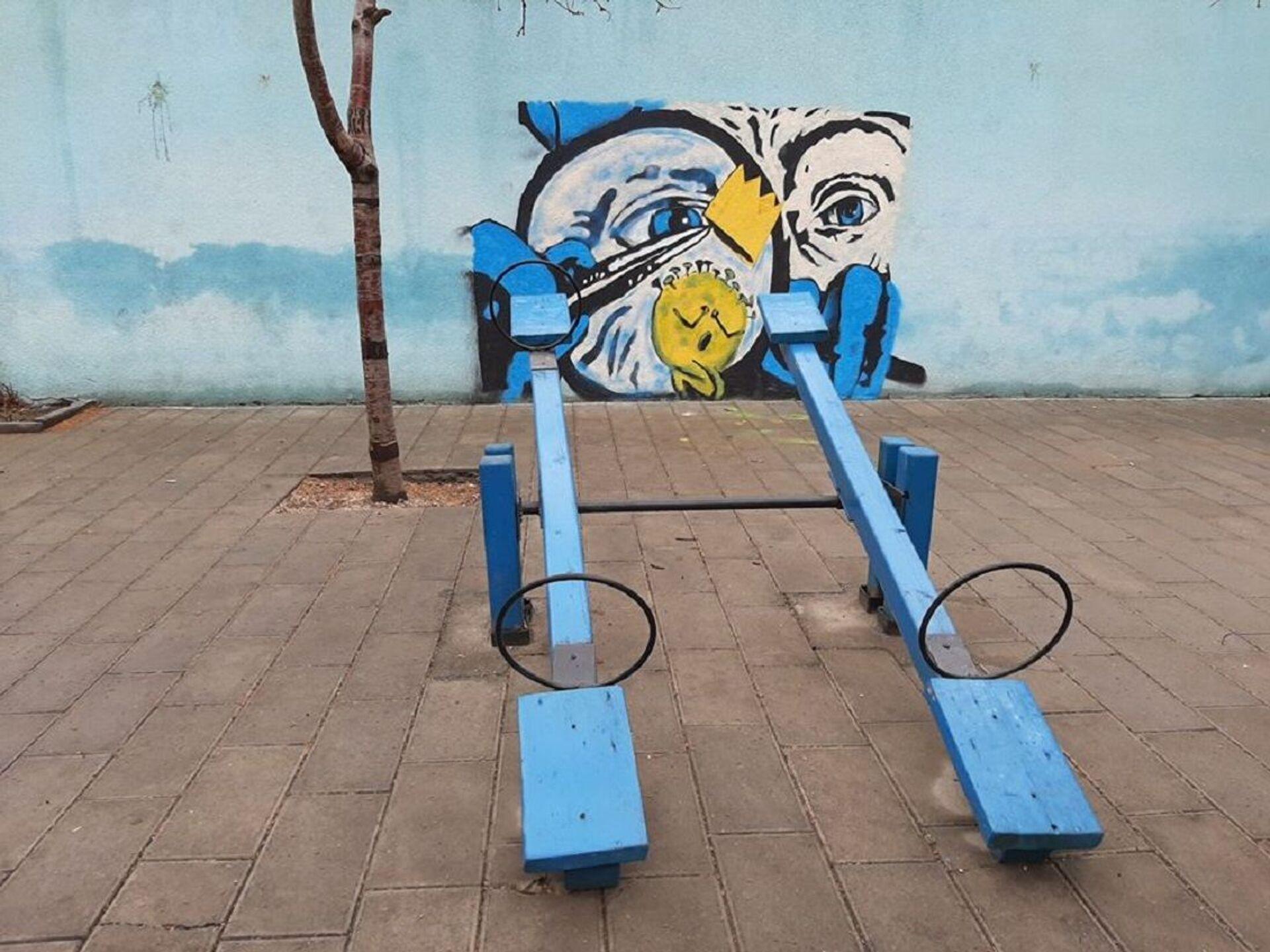 Работа грузинского граффитиста Gagosh, посвященная коронавирусу - Sputnik Грузия, 1920, 01.09.2021