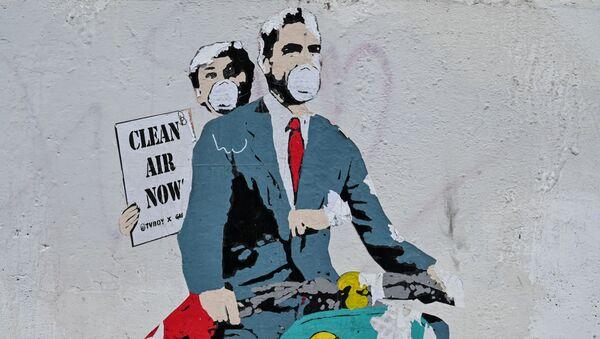 Граффити на тему коронавируса художника TV Boy в Риме - Sputnik Грузия