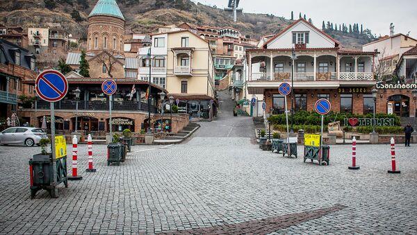 Пустые улицы Тбилиси. Туристов не видно в центре города. Вид на Мейдан с закрытыми ресторанами грузинской кухни - Sputnik Грузия