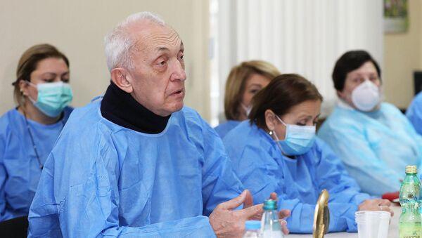 Директор инфекционной больницы Тенгиз Церцвадзе - Sputnik Грузия