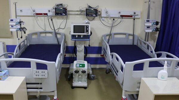 Больничная палата в одной из батумских клиник - Sputnik Грузия