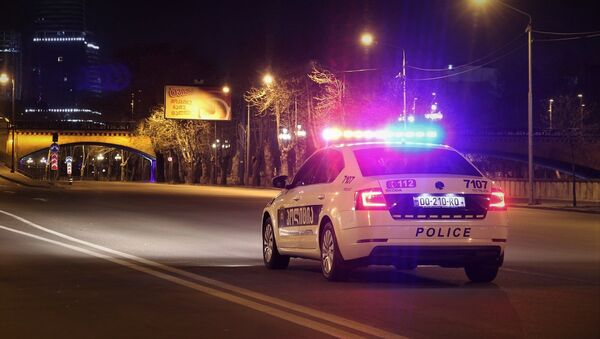 საპატრულო პოლიციის ეკიპაჟი საკომენდანტო საათის დროს თბილისის ქუჩებში - Sputnik საქართველო