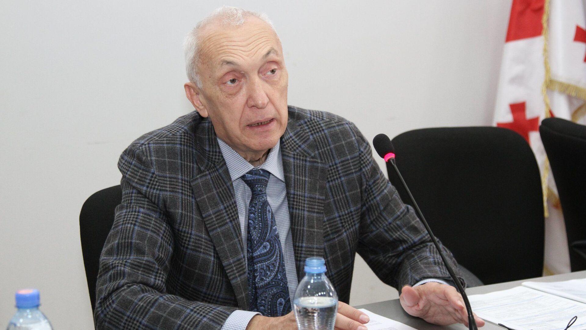 Директор инфекционной больницы Тенгиз Церцвадзе - Sputnik Грузия, 1920, 07.09.2021