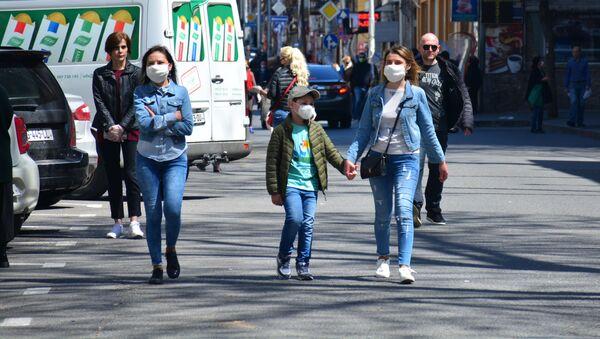 გამვლელები ქუჩაში - Sputnik საქართველო