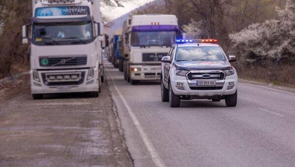 Патрульная полиция и дальнобойщики - Sputnik Грузия
