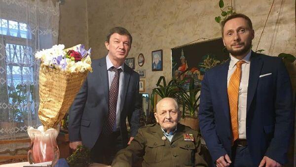 Ветерана ВОВ Николая Чуянова поздравили с Днем победы - Sputnik Грузия