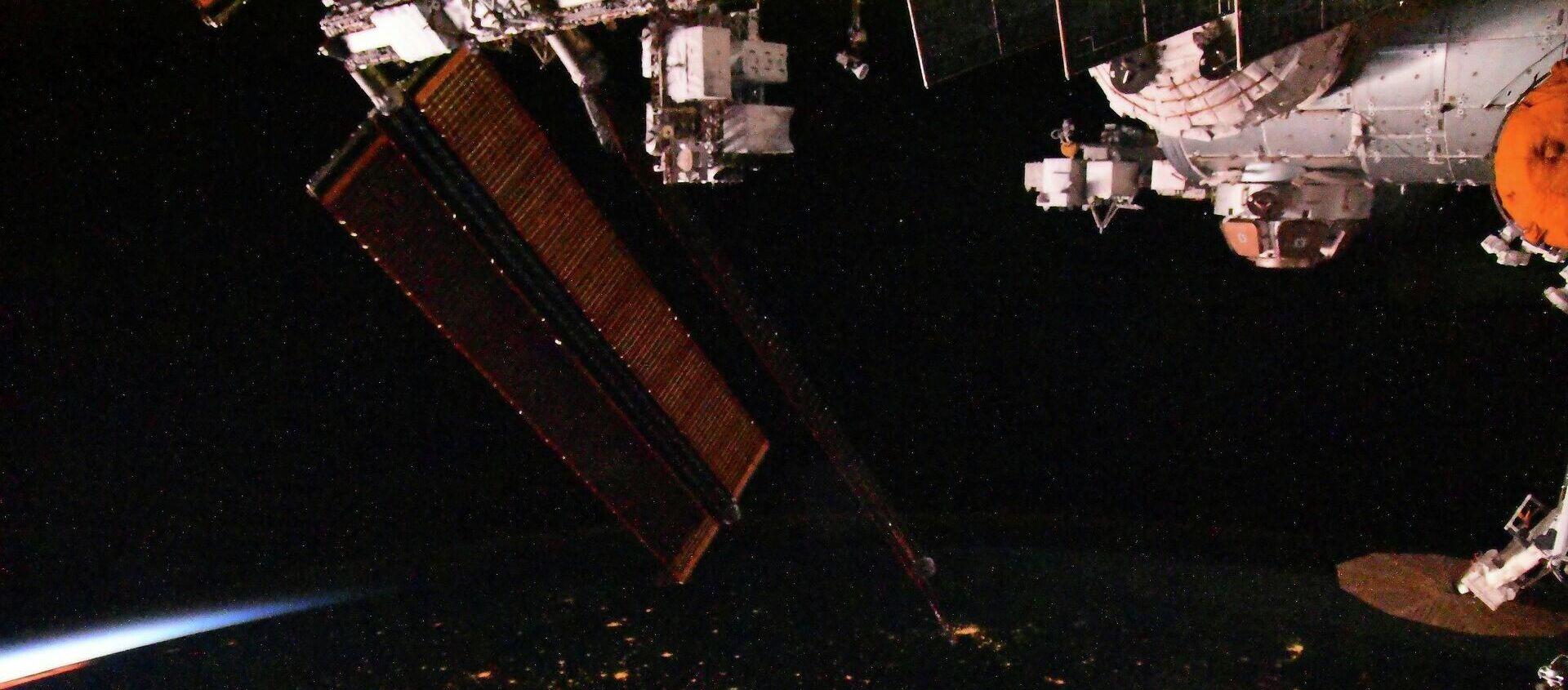 Космические сумерки с борта Международной космической станции - Sputnik Грузия, 1920, 26.11.2020