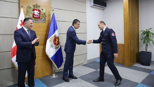 შინაგან საქმეთა მინისტრმა და პრემიერ-მინისტრმა პოლიციის თანამშრომლები დააჯილდოვეს - Sputnik საქართველო