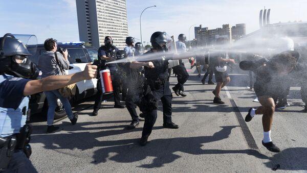 Протесты в США из-за смерти афроамериканца Джорджа Флойда - Sputnik Грузия