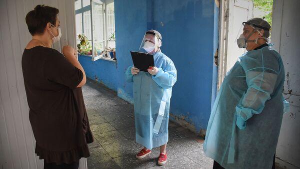 Коронавирус в Грузии. Сабурталинский кластер. Как врачи и эпидемиологи изучают ситуацию - Sputnik Грузия
