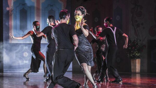 Танцоры на Международном фестивале танго в музее Metropolitan в Медельине, Колумбия - Sputnik Грузия