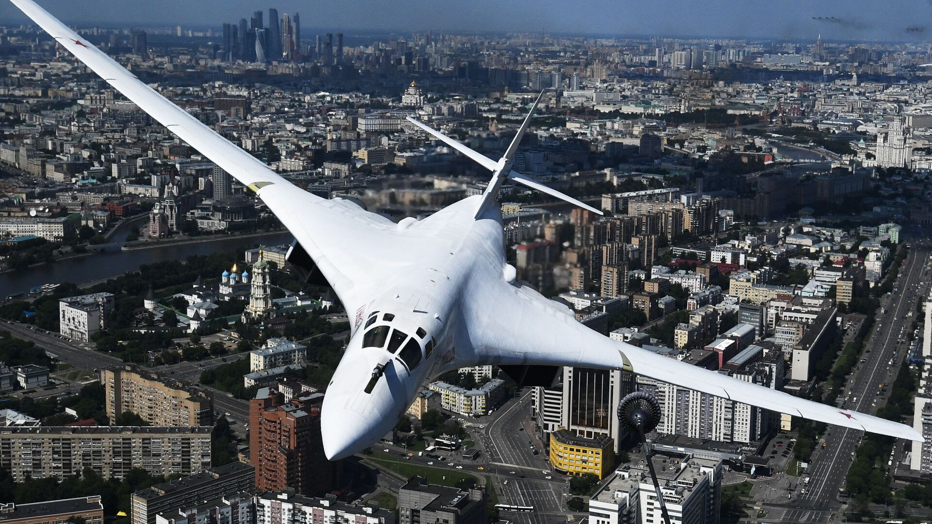 სტრატეგიული ბომბდამშენი Ту-160 აღლუმზე - Sputnik საქართველო, 1920, 07.08.2021