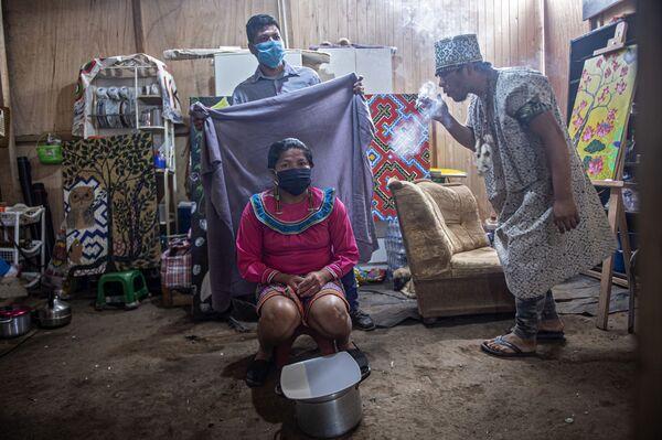 Вопреки жесткому карантину заболевание продолжает набирать обороты в Перу - в регионе Лорето в час от коронавируса умирает один человек - Sputnik Грузия