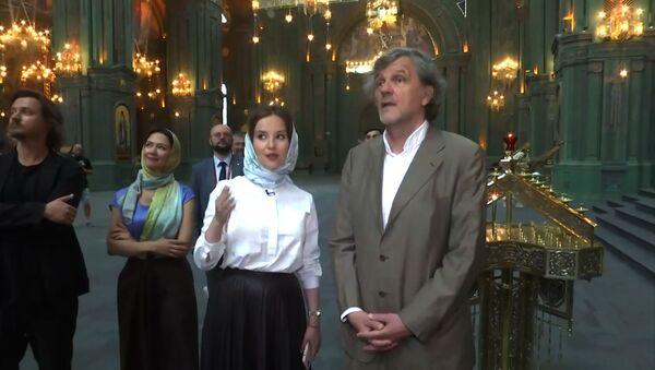 Что заявил Эмир Кустурица после посещения главного храма Вооруженных сил РФ - видео - Sputnik Грузия