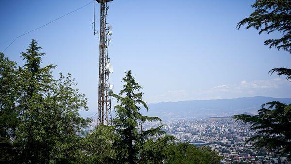 Вышка с передающими антеннами мобильной связи 4G - Sputnik Грузия