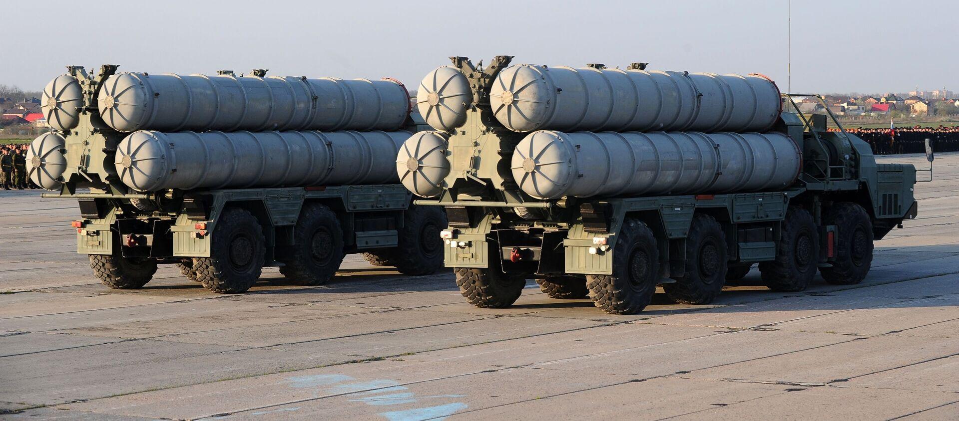 Зенитные ракетные системы (ЗРС) С-400 Триумф  - Sputnik Грузия, 1920, 09.07.2020